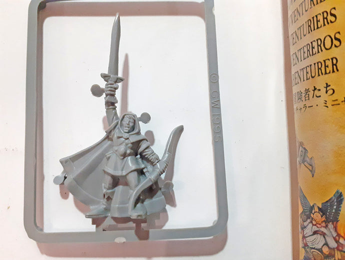 Games Workshop Plastic Elf – Warhammer Quest OOP