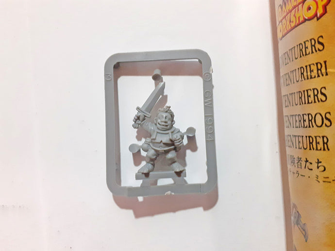 Games Workshop Plastic Halfling – Talisman: City of Adventure OOP