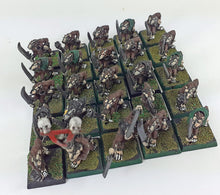 Load image into Gallery viewer, Classic Warhammer Skaven Slaves x25 Painted Metal OOP