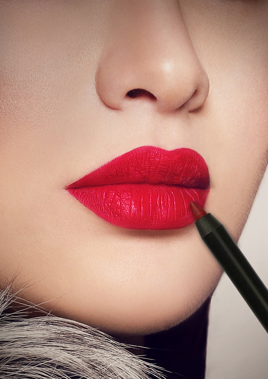 BURNING RED LIP LINER