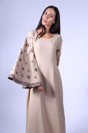 JALABIYA BEIGE W/CIRCLE EMBROIDERY ON SLEEVES