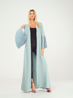 PLEATED SLEEVES CAPE
