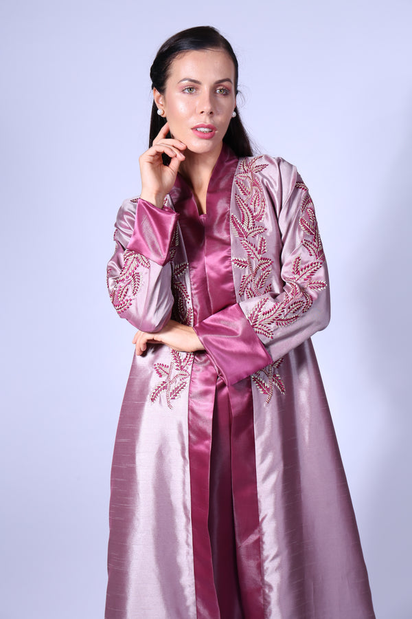 DUSTY PINK BISHT W/GOLDEN LEAVES EMB ON CHEST & HANDS WITH INNER
