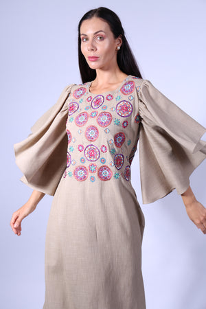 JALABIYA BEIGE W/CIRCLE EMBROIDERY ON CHEST & BACK