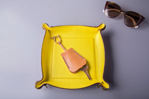 VALET TRAY IN YELLOW/TAN