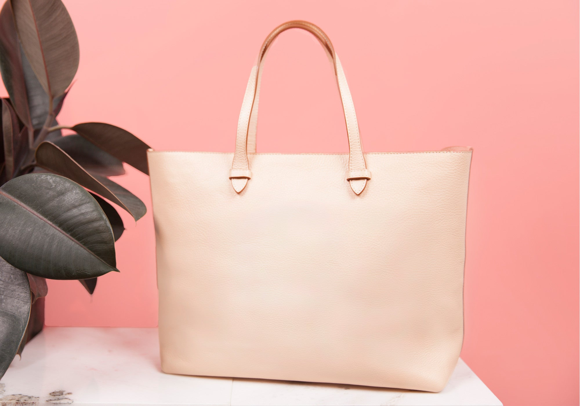 No. 12 Leather Tote Lifestyle