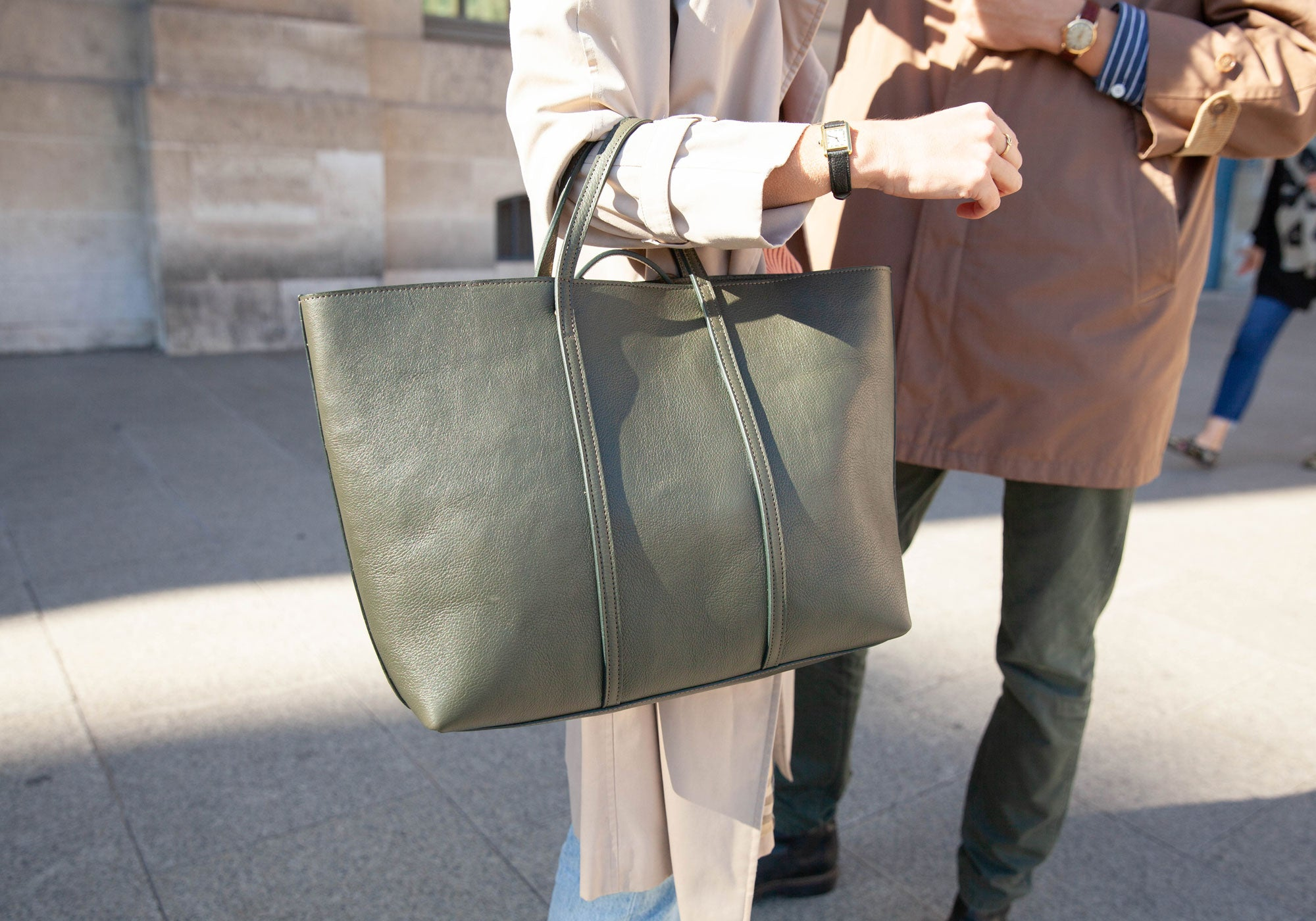 The Morris Leather Tote Lifestyle