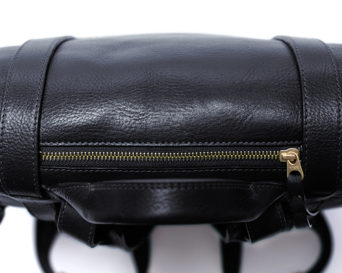 Top Leather Zipper of Leather Backpack Black