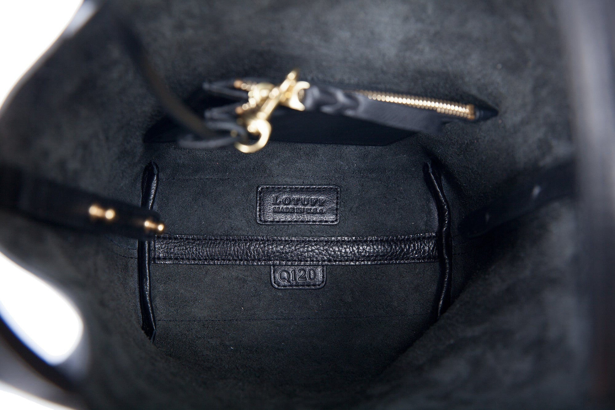Inner Leather Pocket of The One-Piece Bag Black