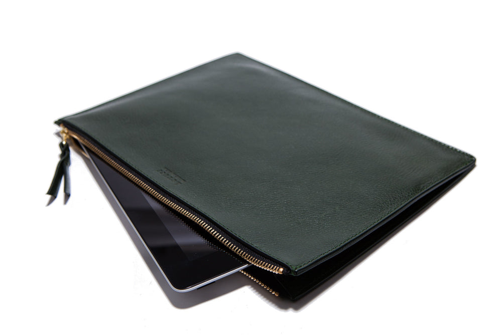 Side Leather View of Zipper iPad Pouch Green