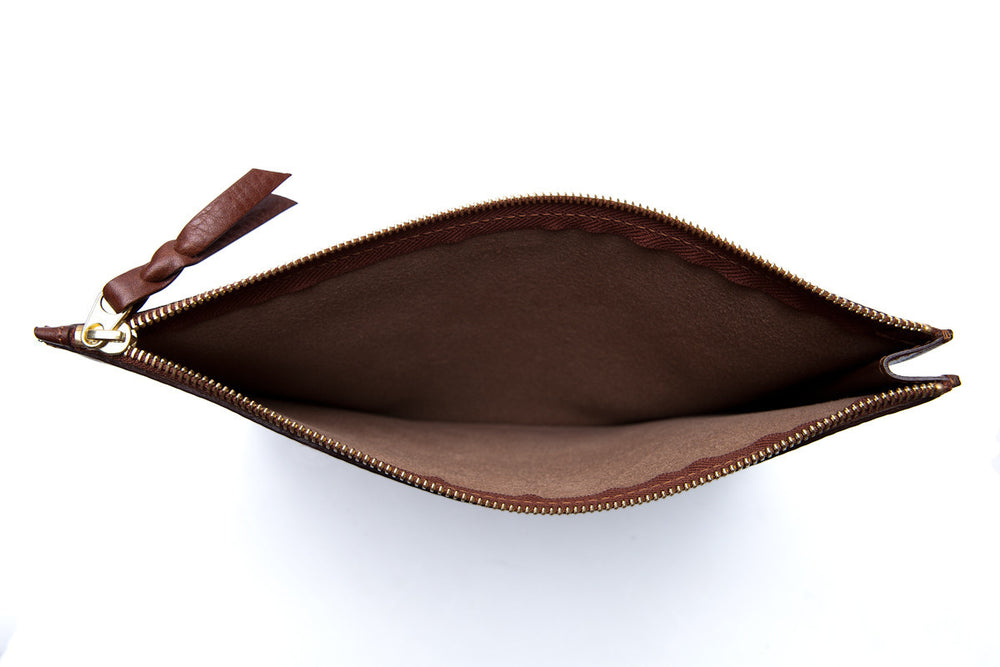 Inner Leather View of Zipper Macbook Pouch Chestnut