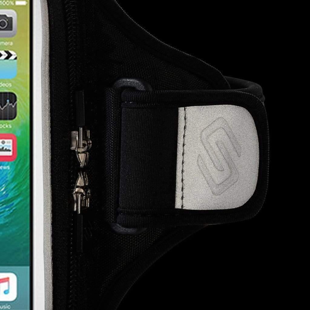 Sporteer exercise iPhone 11 Pro armband with reflective material for safe running at night