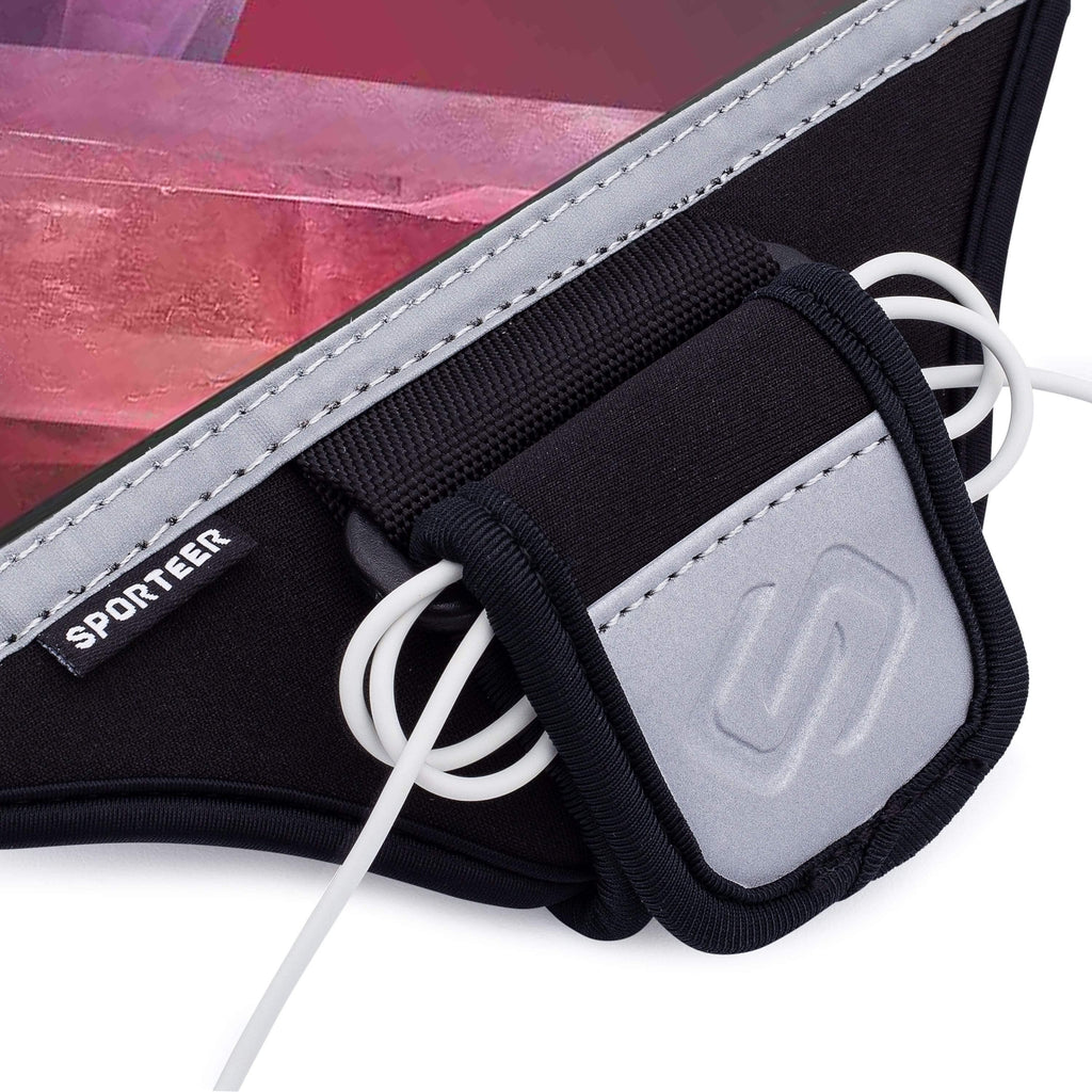 Sporteer Galaxy Running Armband with Earphone Cord Holder