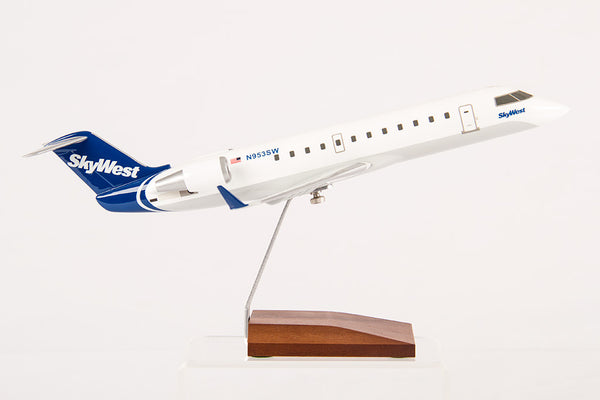 CRJ200 SkyWest Resin Model 1/72