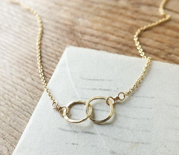Maine - Tiny Intertwined Circles Necklace (options)