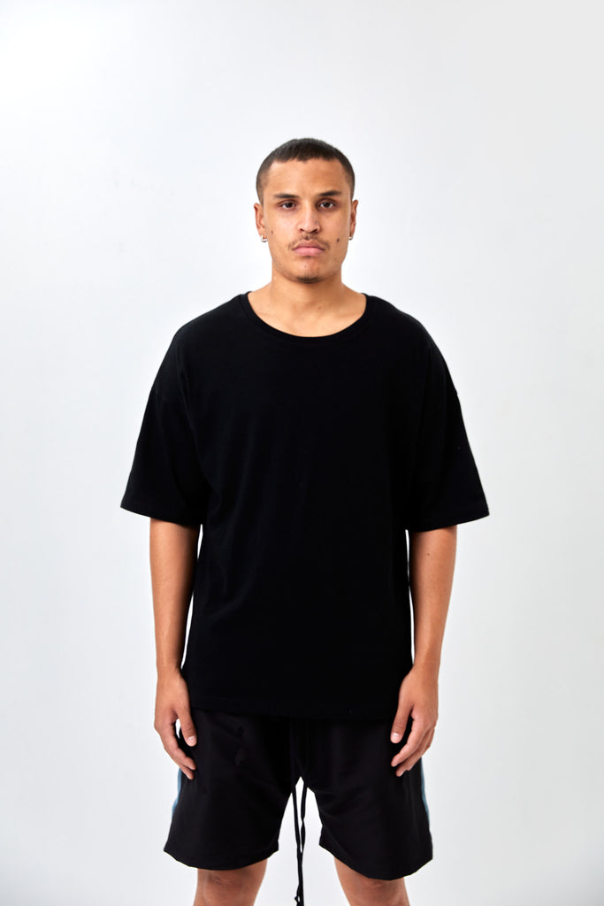 CORE SIGNATURE OVERSIZED T-SHIRT - BLACK