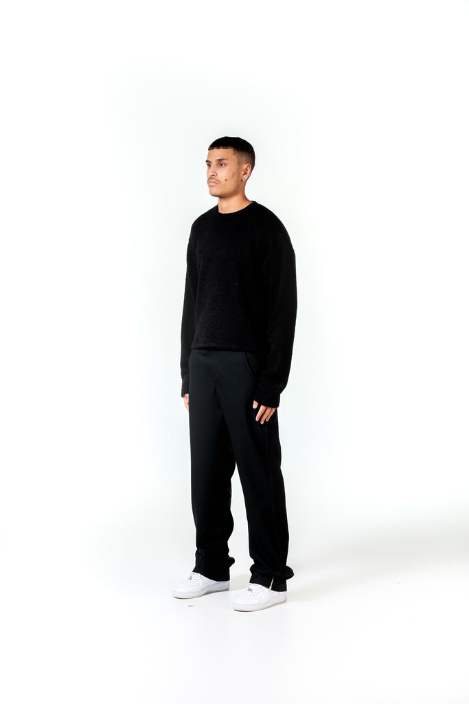 DISTRESSED KNIT - BLACK