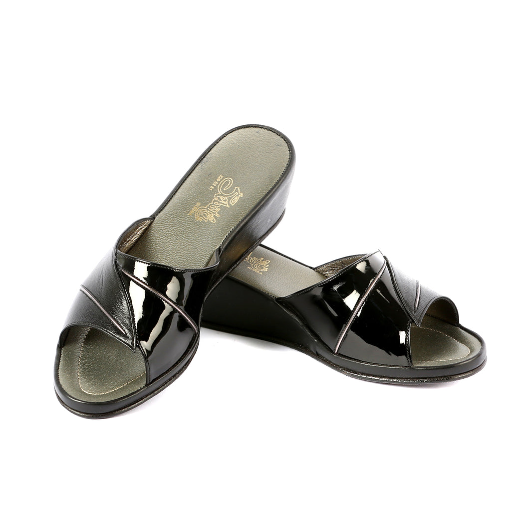 Grace leather slippers open toe with patent leather