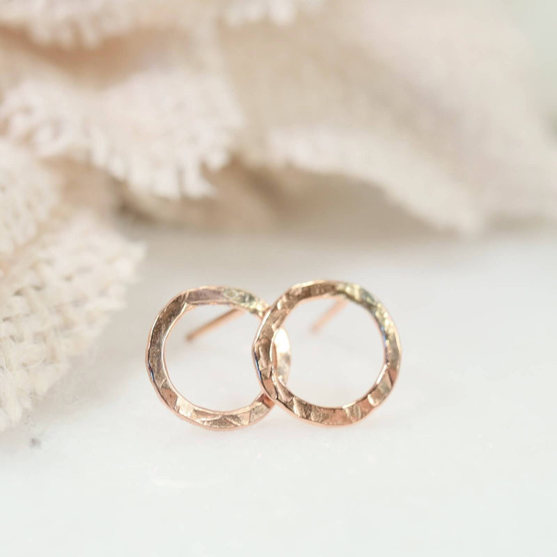 hammered circle stud earrings gold