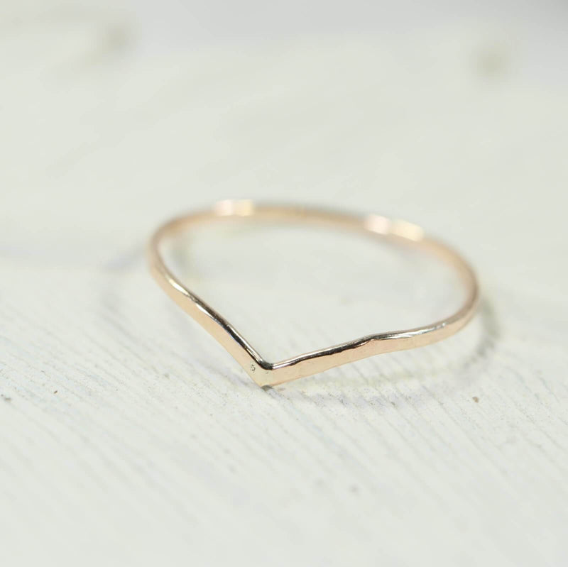 hammered V stacking ring gold