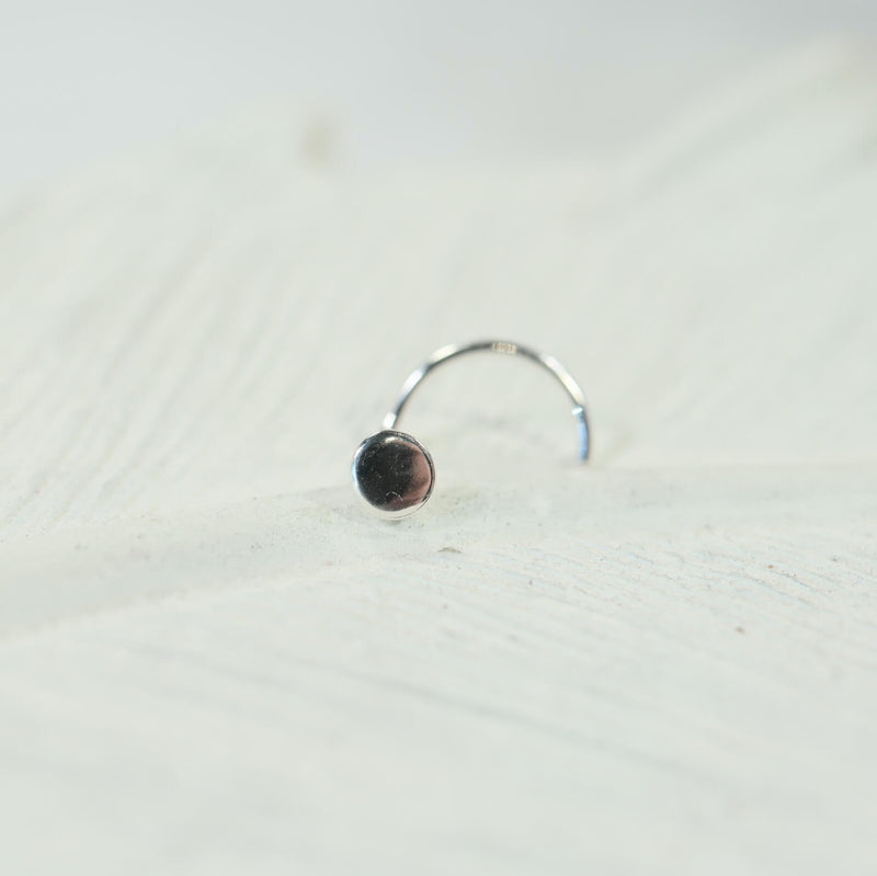 dot nose stud 4mm in silver