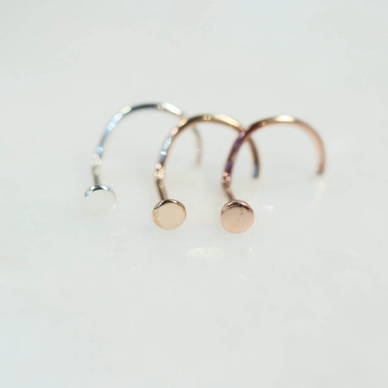 2mm dot nose stud silver, gold and pink gold