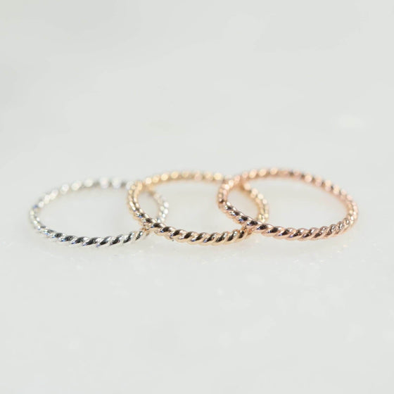 Dot twist nose ring in silver, gold and pink gold