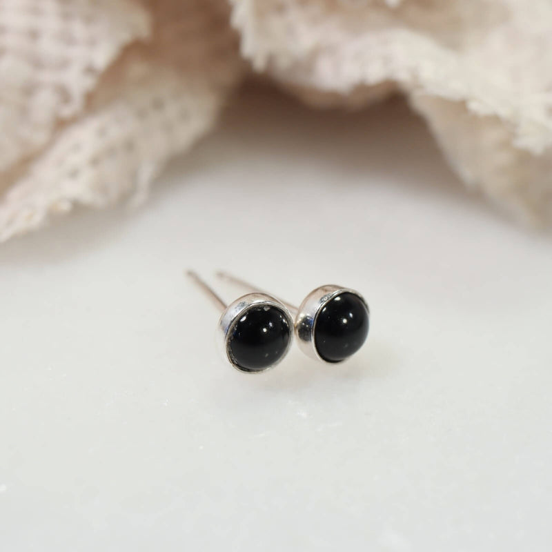 silver onyx stud earrings 4mm