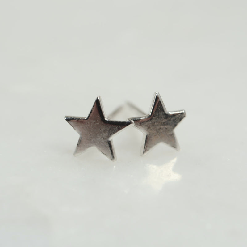 6mm silver star earrings