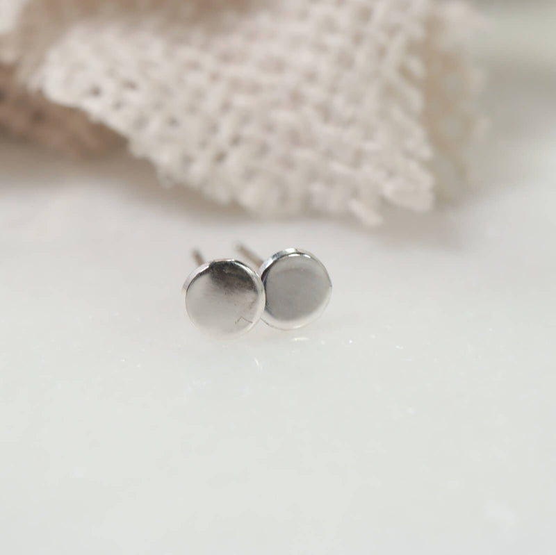 stud earring plain dot in sterling silver