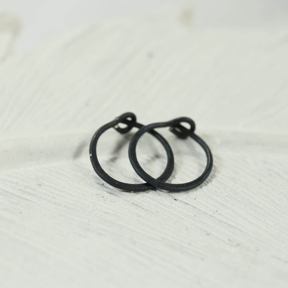 tiny hoop earrings niobium hammered black, bronze, rainbow