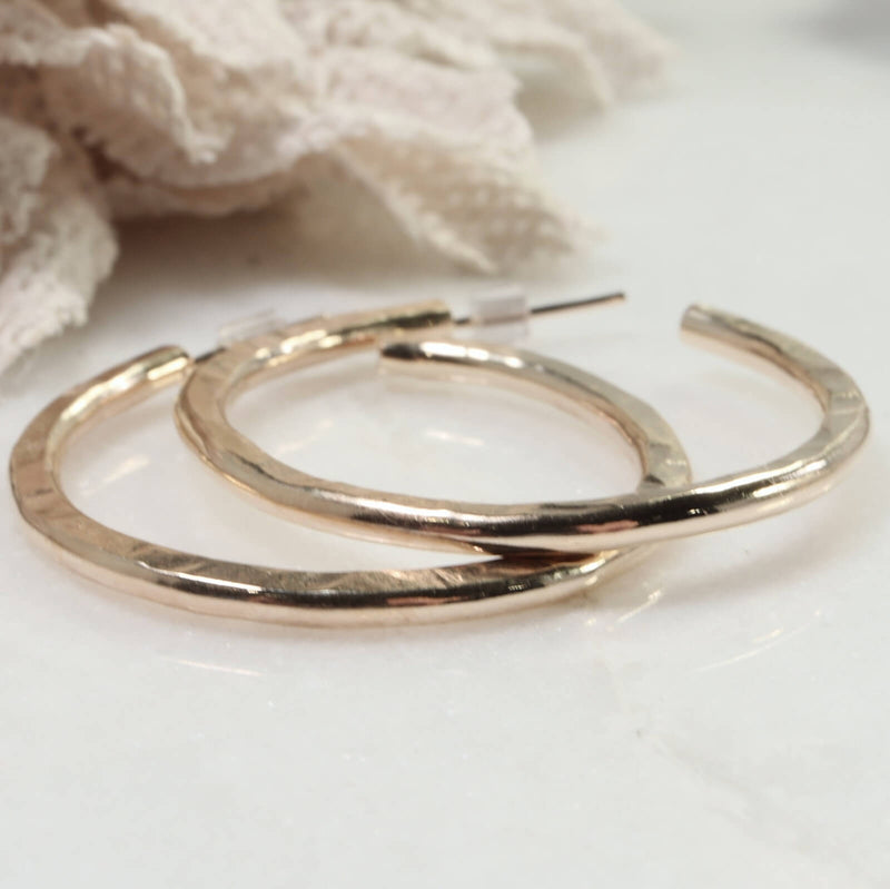 x thick gold hammered hoop earrings