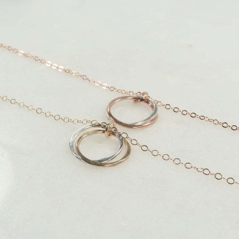 straight yin & yang necklace gold