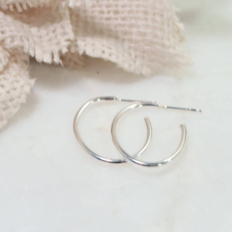 plain oval hoop earrings silver