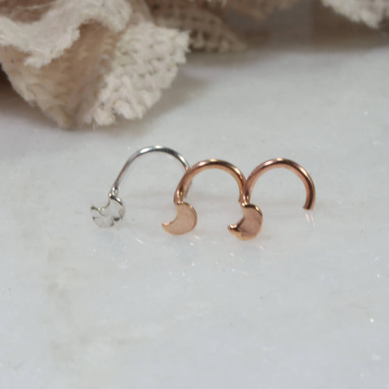 2mm crescent moon nose stud