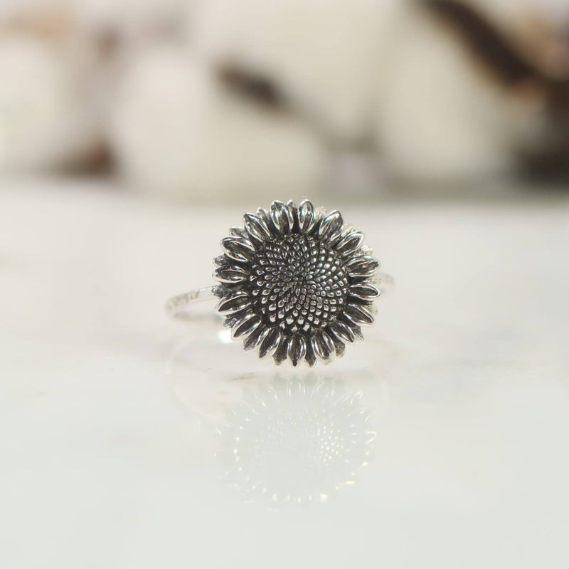 flower ring in silver