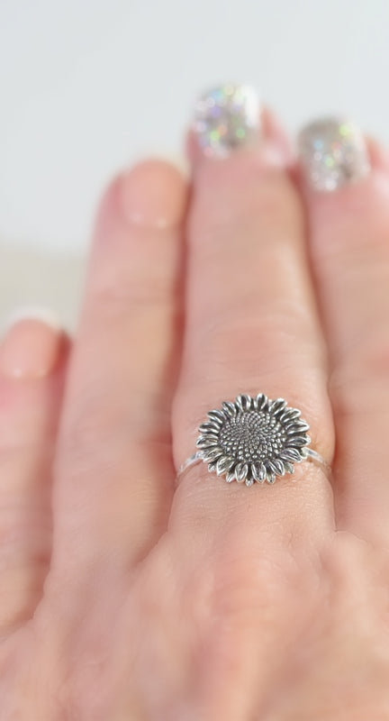 model wearing sunflower ring