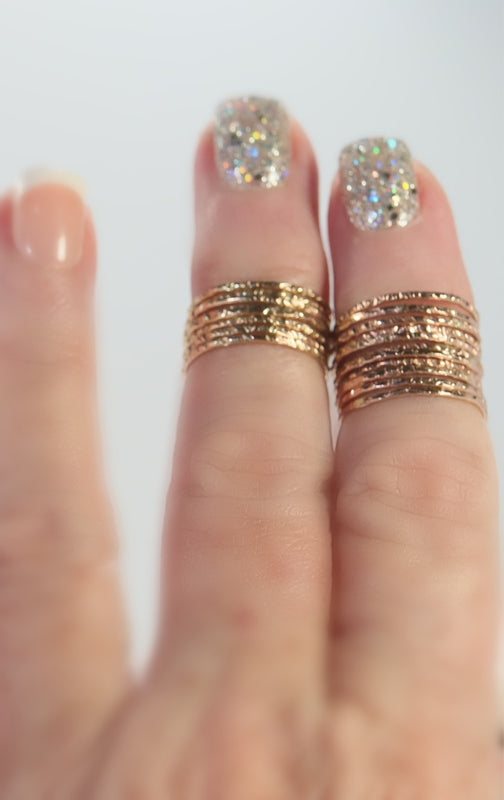 Gold and Pink gold chiseled rings