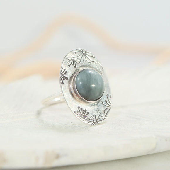 Dandelion Cats Eye Gemstone Ring Oval