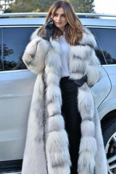 instylestreet.com Coats M Long Faux Fox Fur Coat