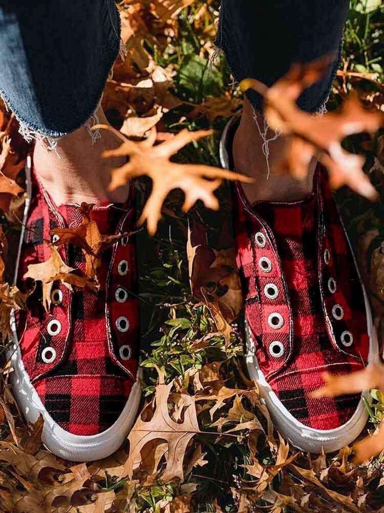 instylestreet Plaid Slip-On Round Toe Flat Sneakers