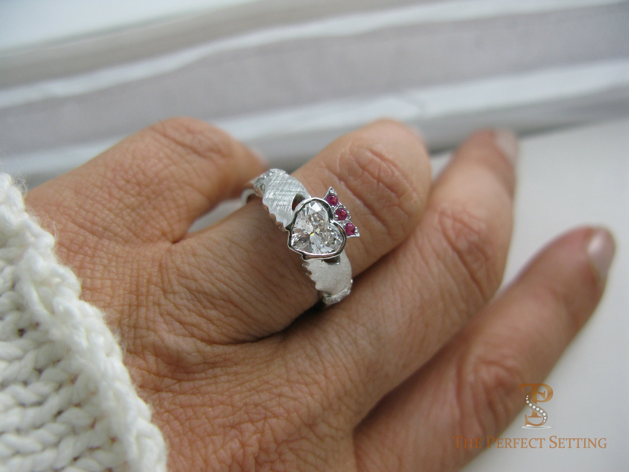 Claddagh Celtic Knot Diamond Ring The Perfect Setting