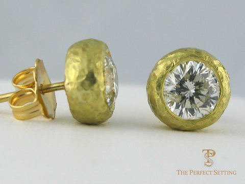 Diamond Studs 18K Gold Hammered Bezel Setting