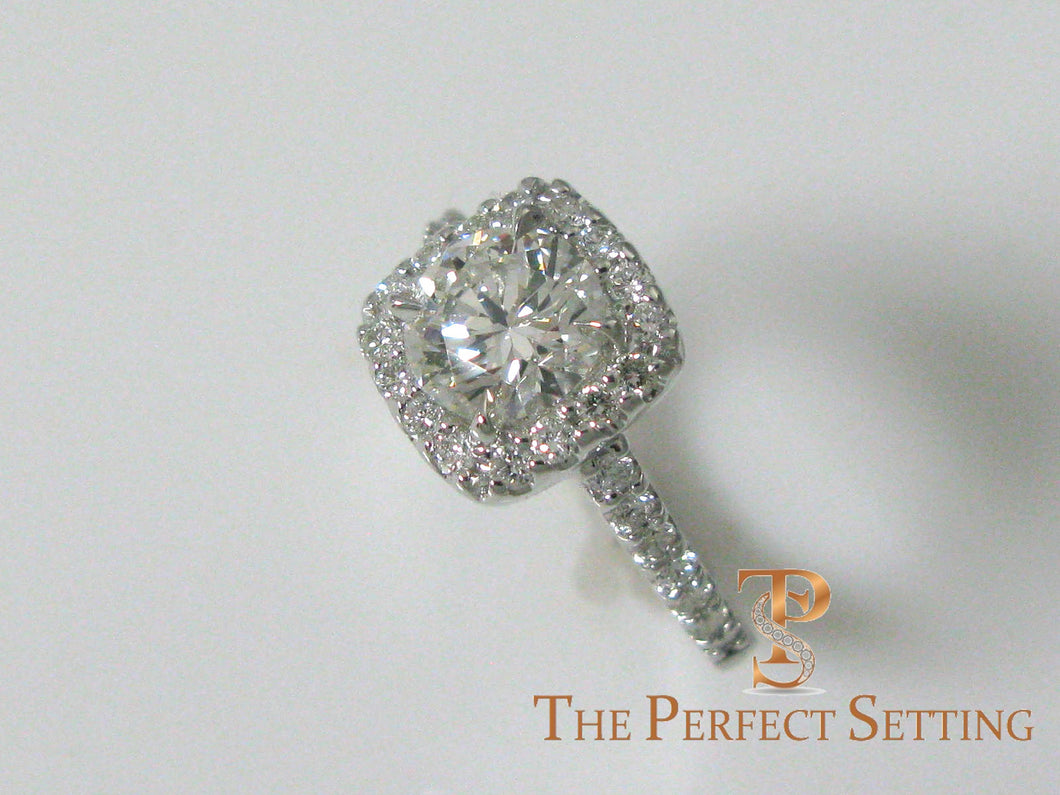 Cushion Halo Setting with Round Diamond