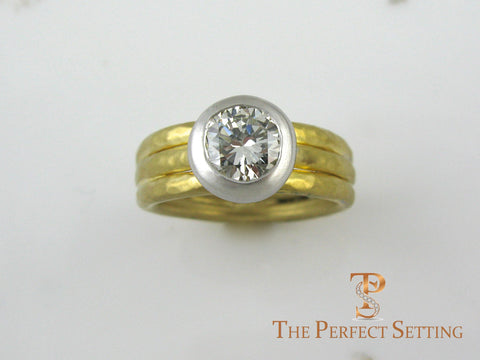 Signature ring with tapered band