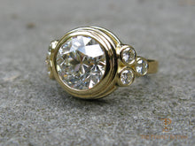 Load image into Gallery viewer, Bezel Diamond Gold Ring