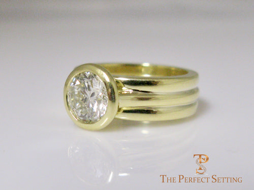 Bezel Set Diamond 18K Green Gold Custom Signature Ring
