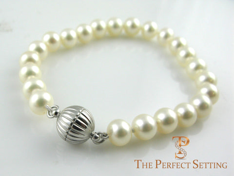 Cultured Pearl Bracelet with Magnetic Ball Clasp