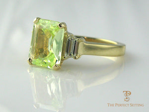 Peridot and Diamond Cocktail Ring Yellow gold