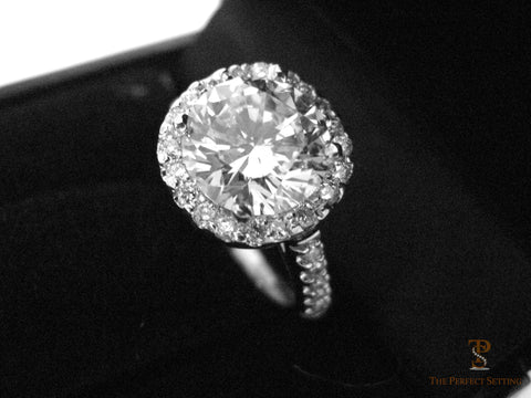 Round Brilliant Diamond Halo Ring